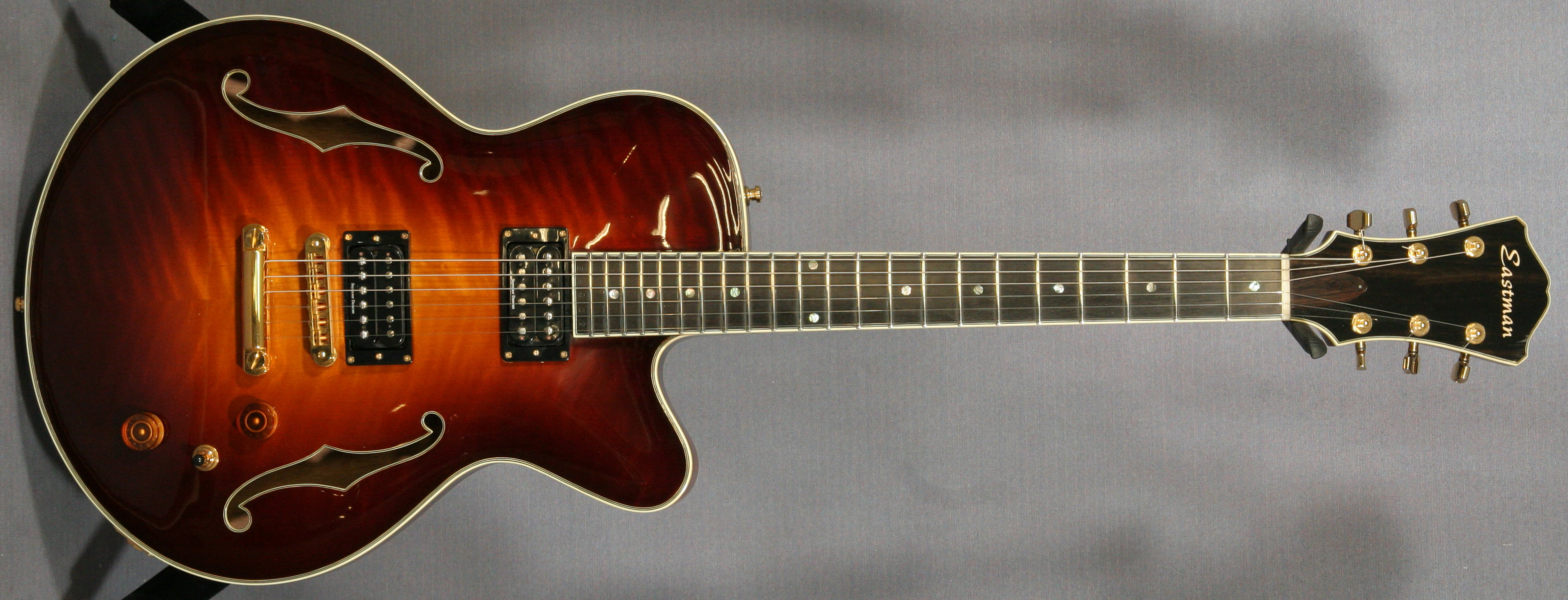 eastman-single-cutaway-blues.jpg